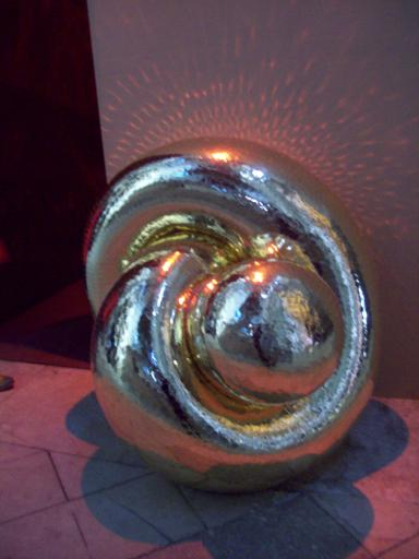 Umbilical knot gold