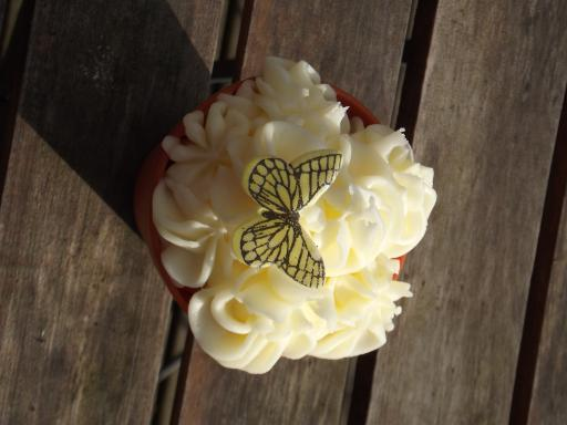 Butterfly bush cake