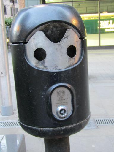 Ciggy bin face