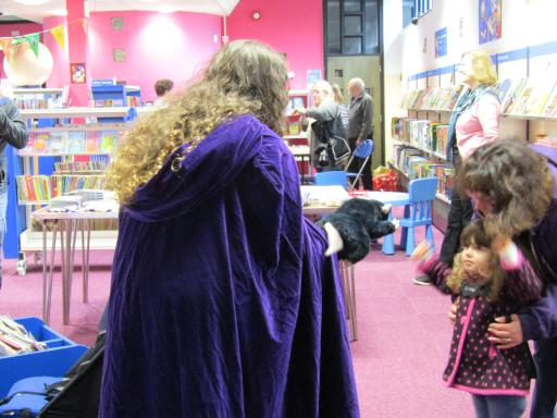 El Nosy Rat entertaining small child at the Cheltenham Libraries Fun Palace 2017