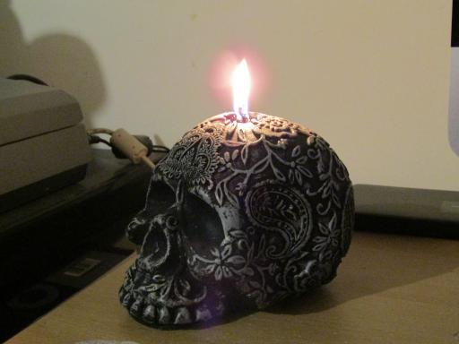 Lace Skull candle